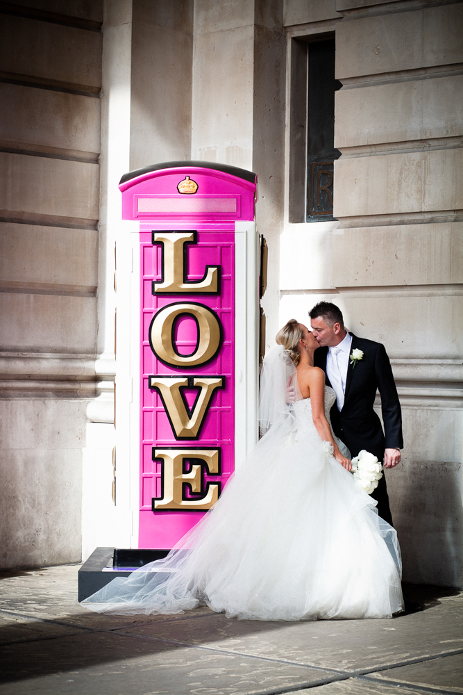064-Royal-Exchange-London-wedding-photographer-lyndsey-goddard