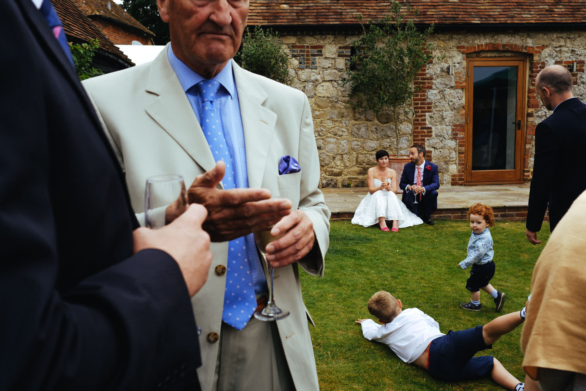 ruffynes barn kent wedding